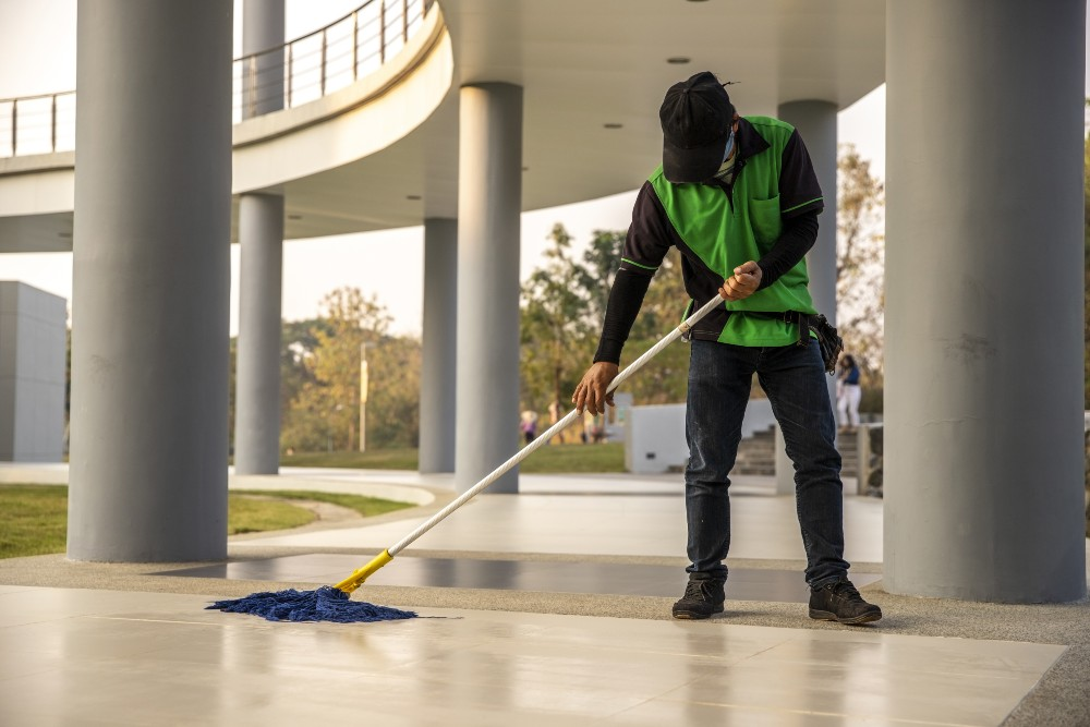how often to schedule commercial cleaning